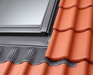Picture of Velux Std Window Flashing Tile 78x98for Recessed tiles up to 90mm in profileroof pitch 20-90 deg